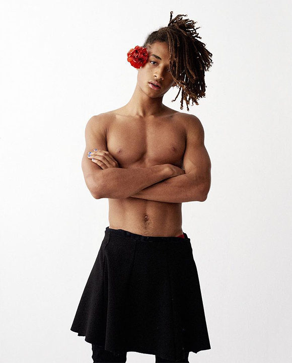 JadenSmith onerandomchick skirt and painted nails